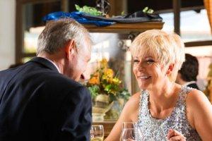 → Partnersuche ab 50 ❤️ 8 Dating-Seiten für Senioren ()